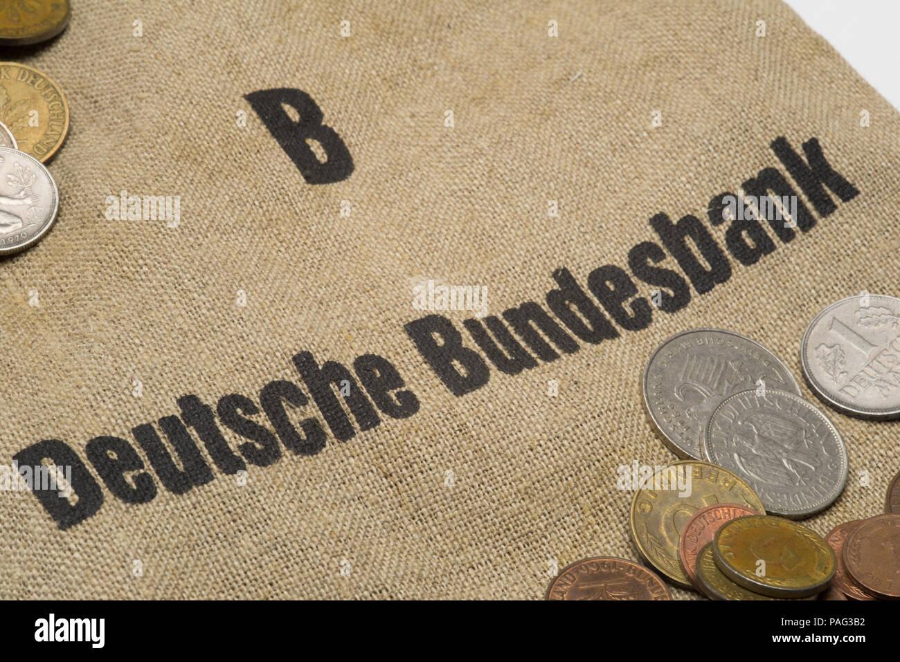 Deutsche Bundesbank - Old German Currency with moneybag - Stock Image