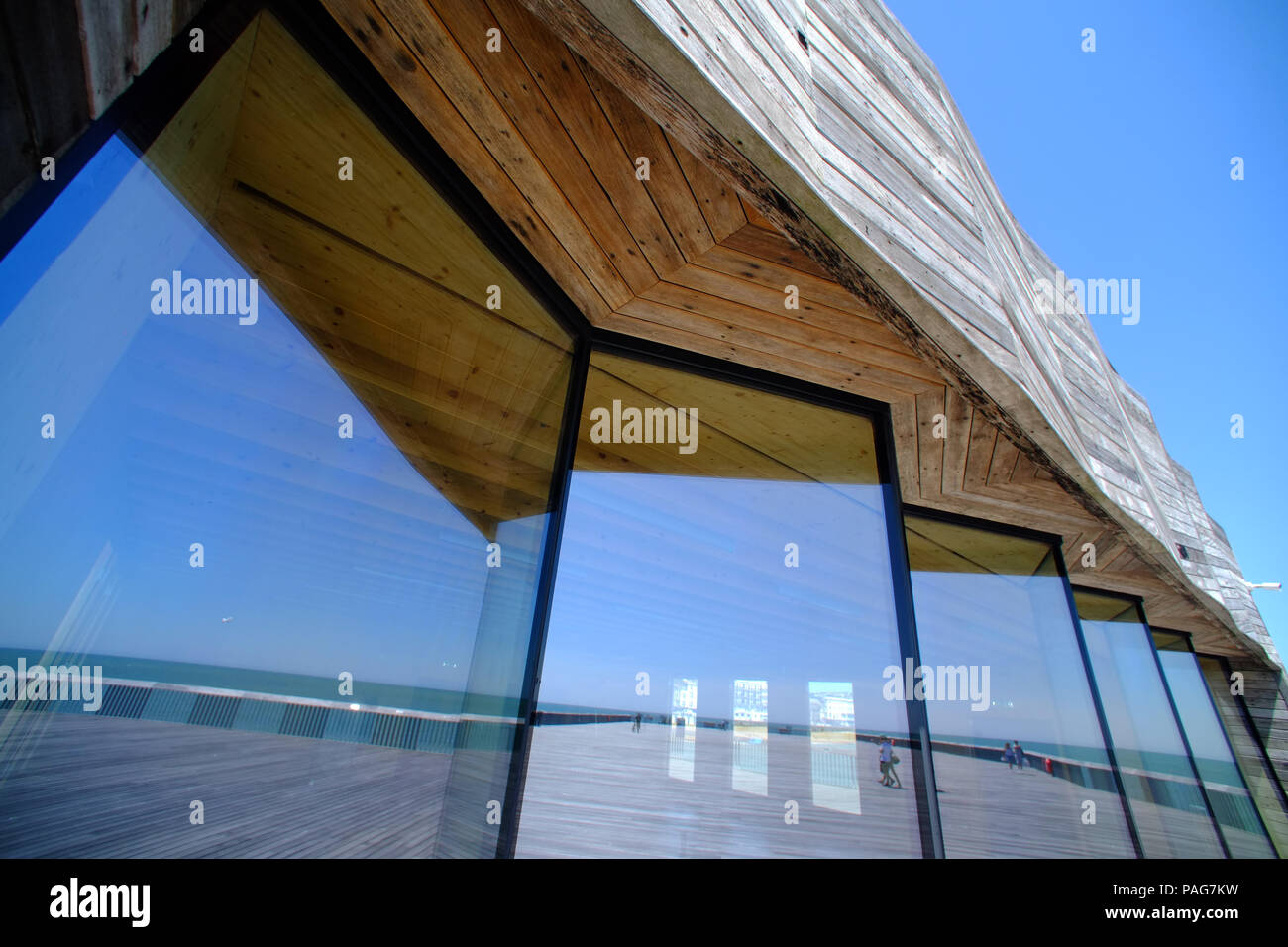 Hastings Pier. Award winning and newly renovated pier - Stock Image