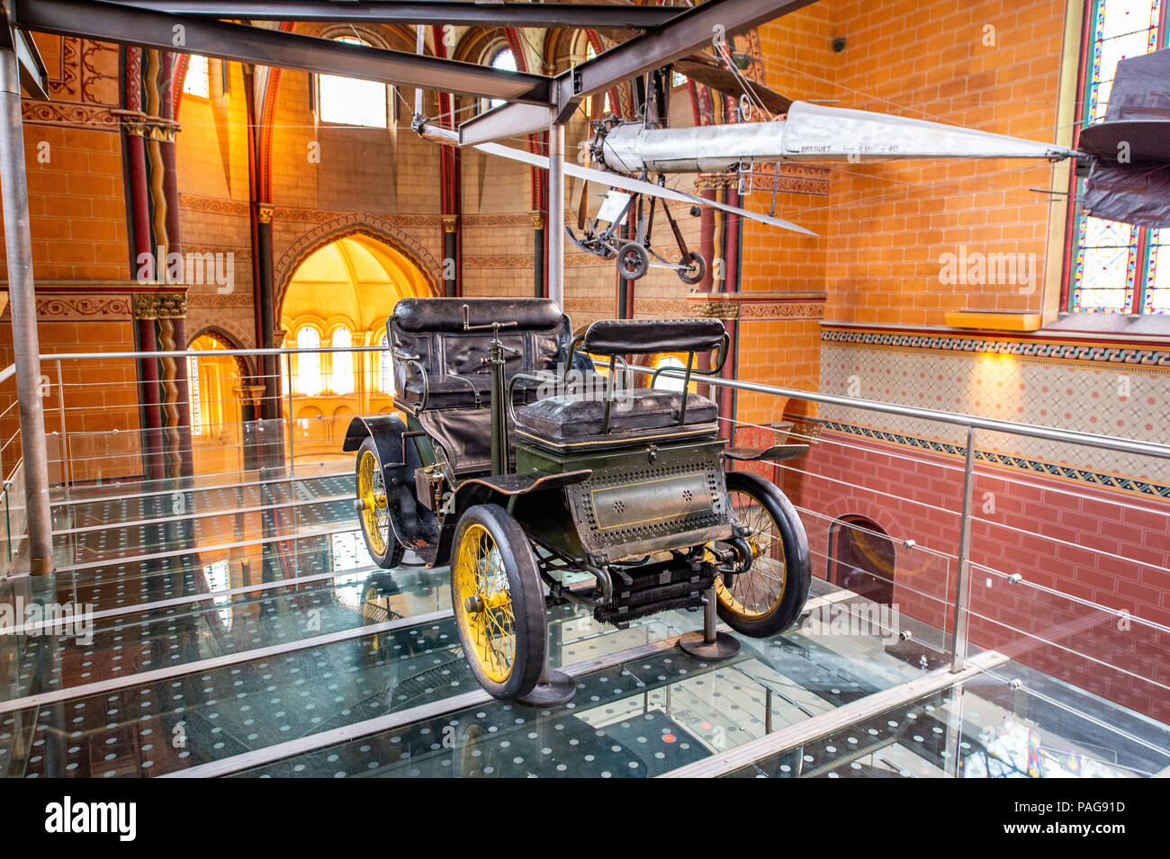 The Vis-a-vis automobile by Albert de Dion and Georges Bouton was designed in 1899. Displayed at the Musée des Arts et Métiers in Paris - Stock Image