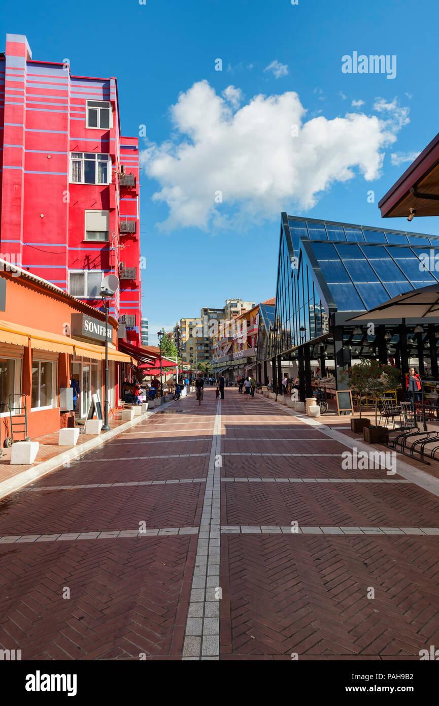 Colourful houses near the New Bazar, Tirana, Albania - Stock Image