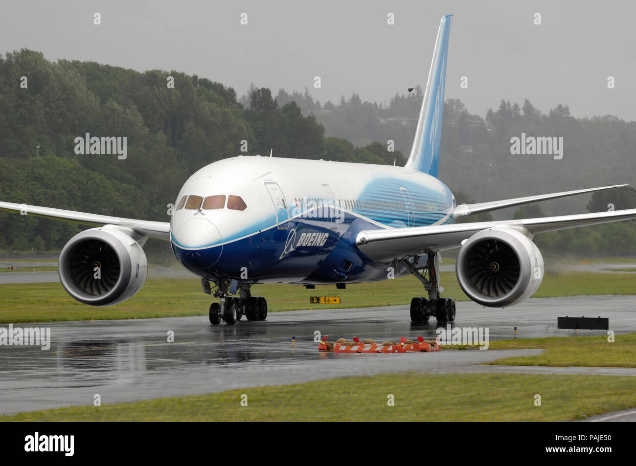 the first Boeing 787-8 Dreamliner prototype taxiing Stock Photo