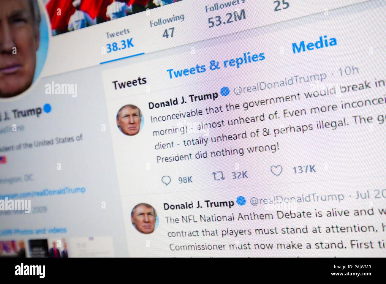 Donald Trump Twitter Profile Stock Photos & Donald Trump Twitter