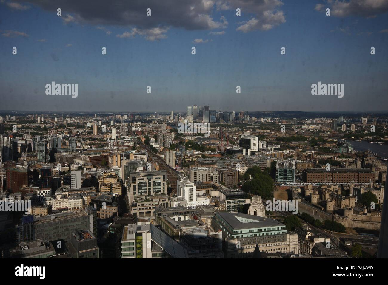 Rain, sunshine and Cloud over London , Egnland - Stock Image