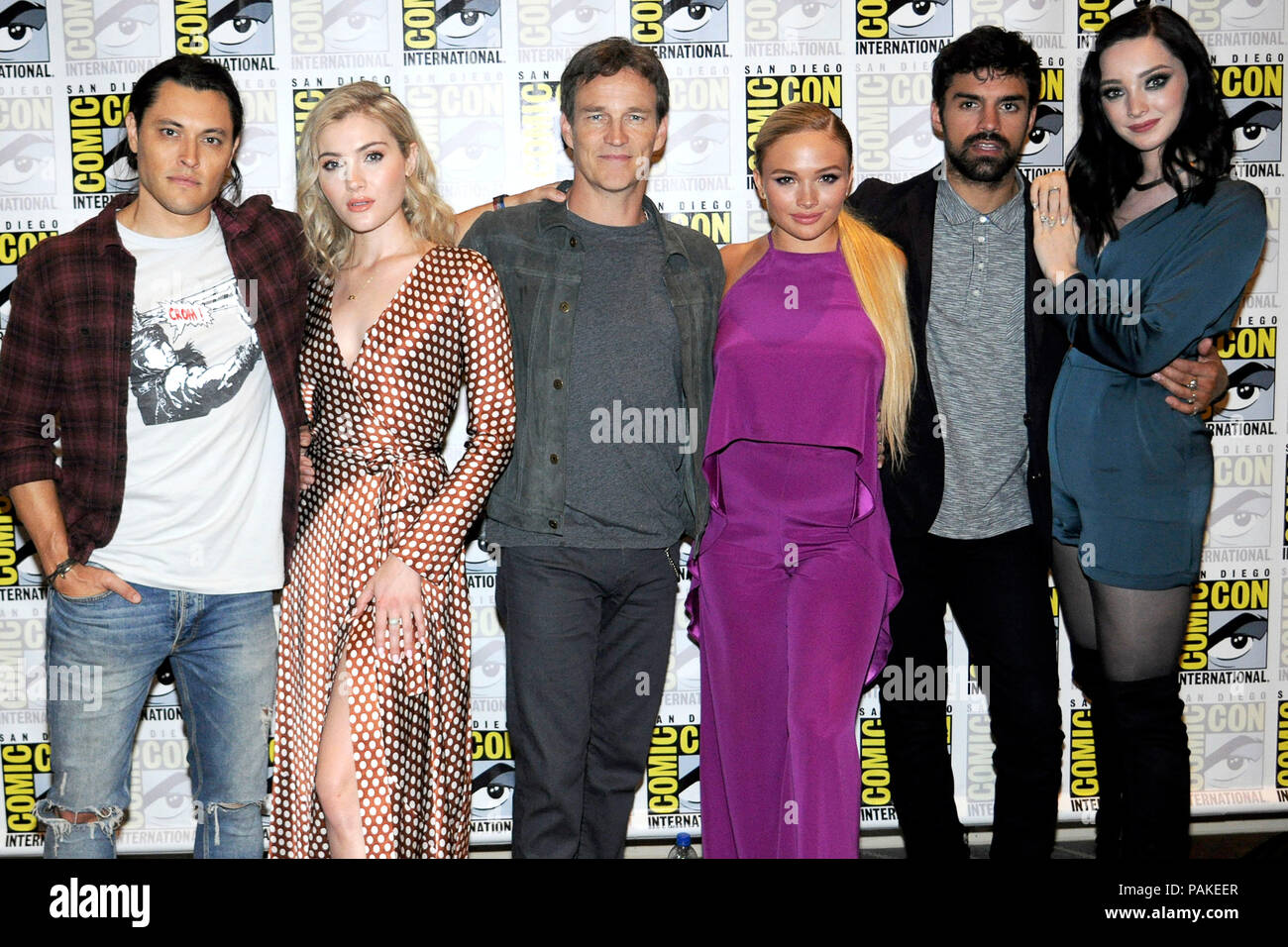 Blair Redford, Skyler Samuels, Stephen Moyer, Natalie Alyn Lind, Sean Teale and Emma Dumont at the Photocall for the Fox TV series 'The Gifted' at the San Diego Comic-Con International 2018 at the Hilton Bayfront hotel. San Diego, 21.07.2018 | usage worldwide - Stock Image