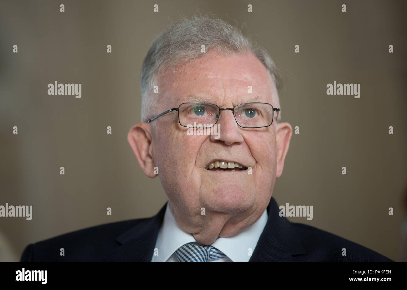 Stuttgart, Germany. 23rd July, 2018. Erwin Teufel, former Minister President of Baden-Württemberg, smiles at the handover ceremony of the office of President of the Constitutional Tribunal of Baden-Württemberg. Credit: Marijan Murat/dpa/Alamy Live News - Stock Image