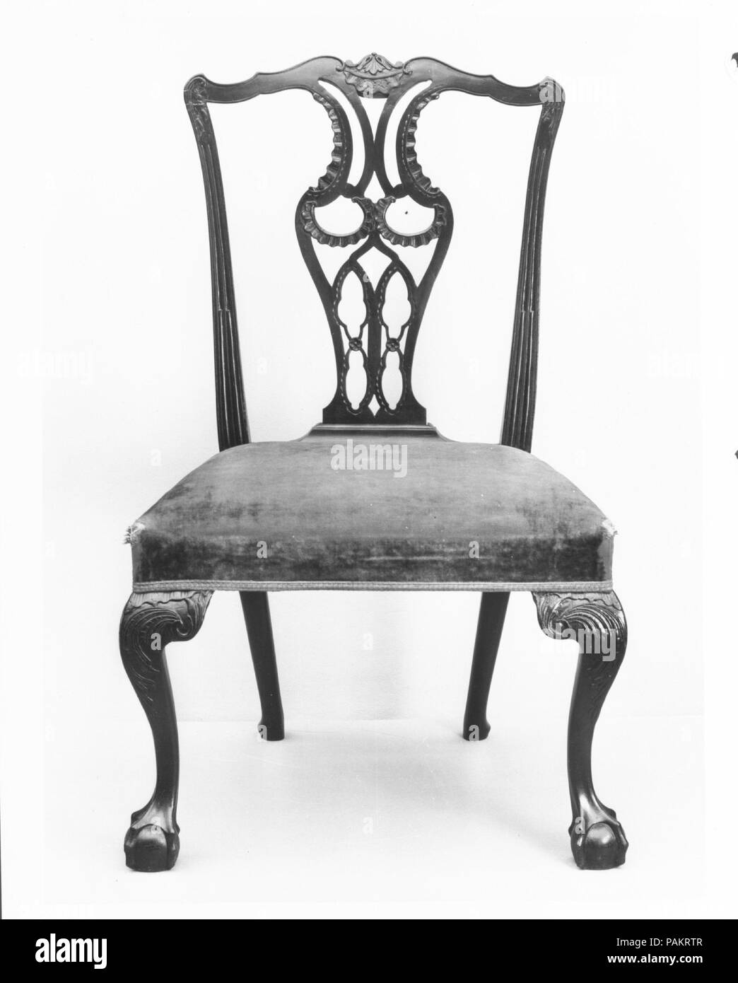 Side Chair. Culture: American. Dimensions: 38 1/2 x 22 1/4 x 22 in. (97.8 x 56.5 x 55.9 cm). Date: 1770-90. Museum: Metropolitan Museum of Art, New York, USA. - Stock Image