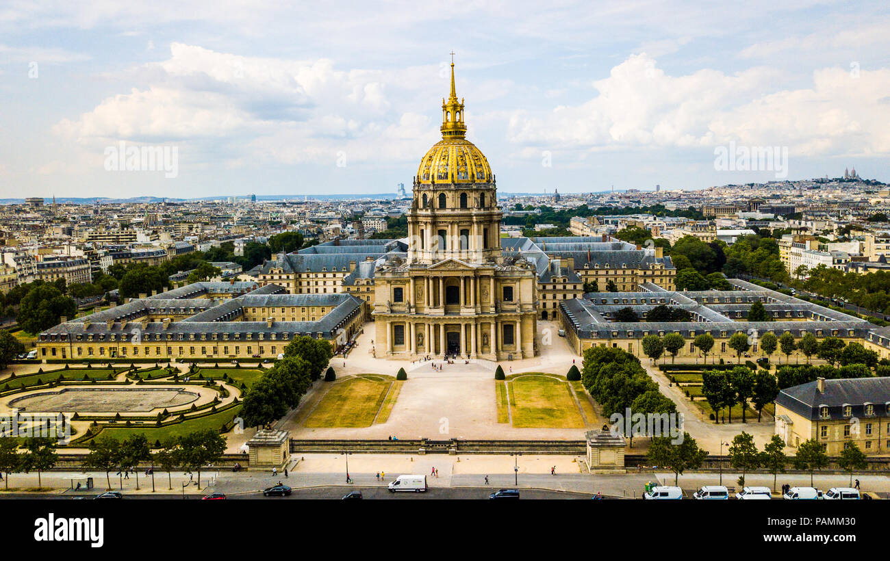 Paris Army Museum and Tomb of Napoleon or Musee de l'Armee des Invalides, Paris, France - Stock Image