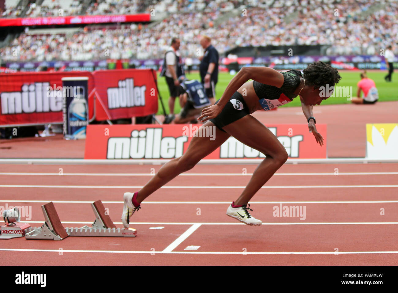 Stephenie Ann MCPHERSON (Jamaica) out of the starting blocks in the Women's 400m at the 2018, IAAF Diamond League, Olympic Park, Stratford, London, UK - Stock Image