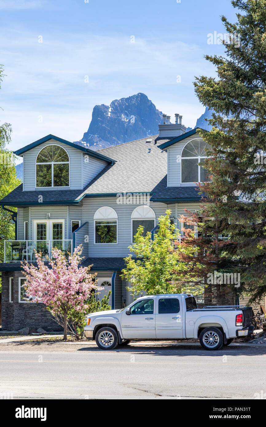 Residential property in the town of Canmore on the western edge of the Rocky Mountains, Alberta, Canada - Stock Image