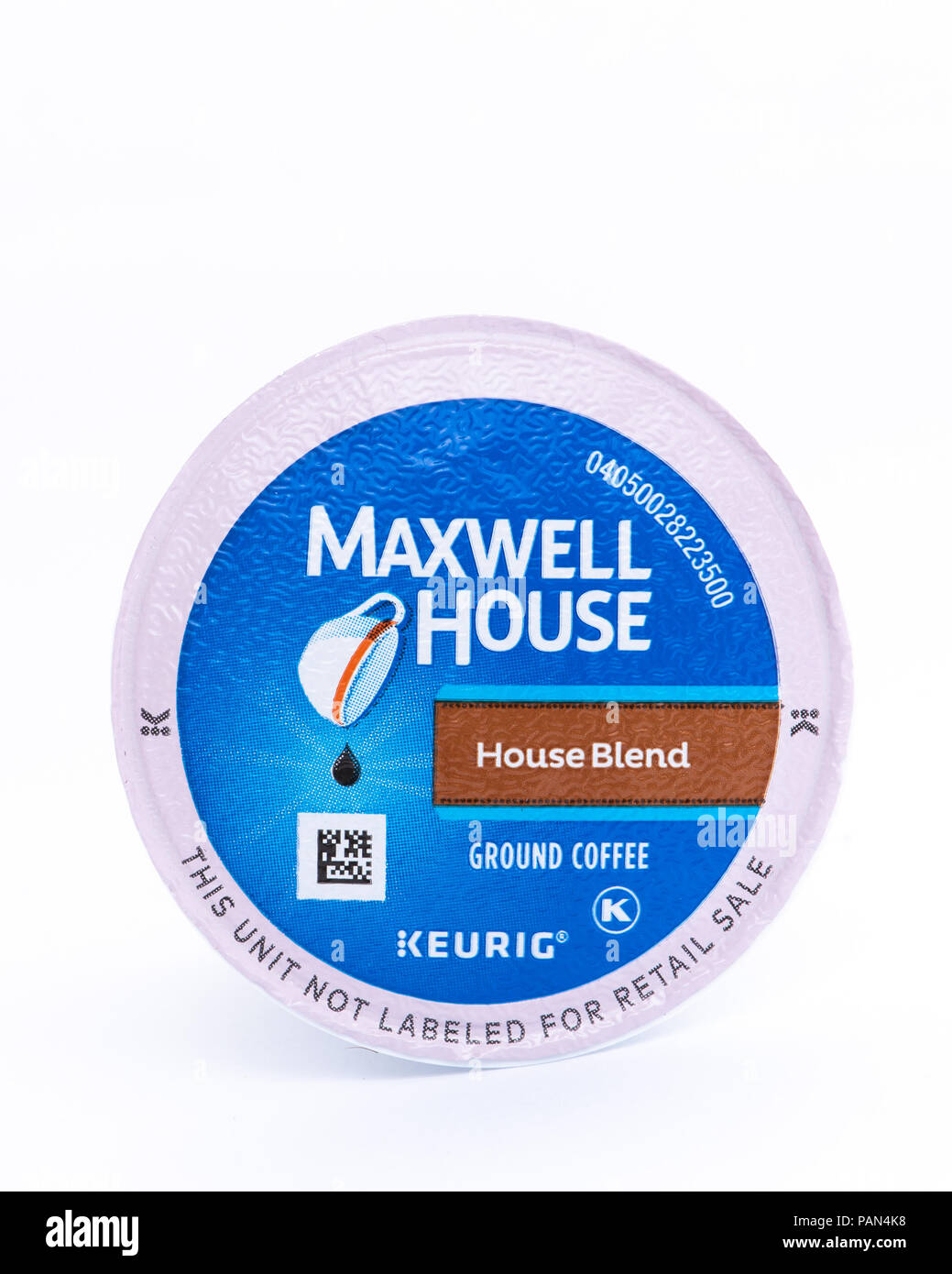 A single serving K-CUP pod of Maxwell House - House Blend Medium Roast Arabica coffee for use in Keurig K-CUP brewers. - Stock Image