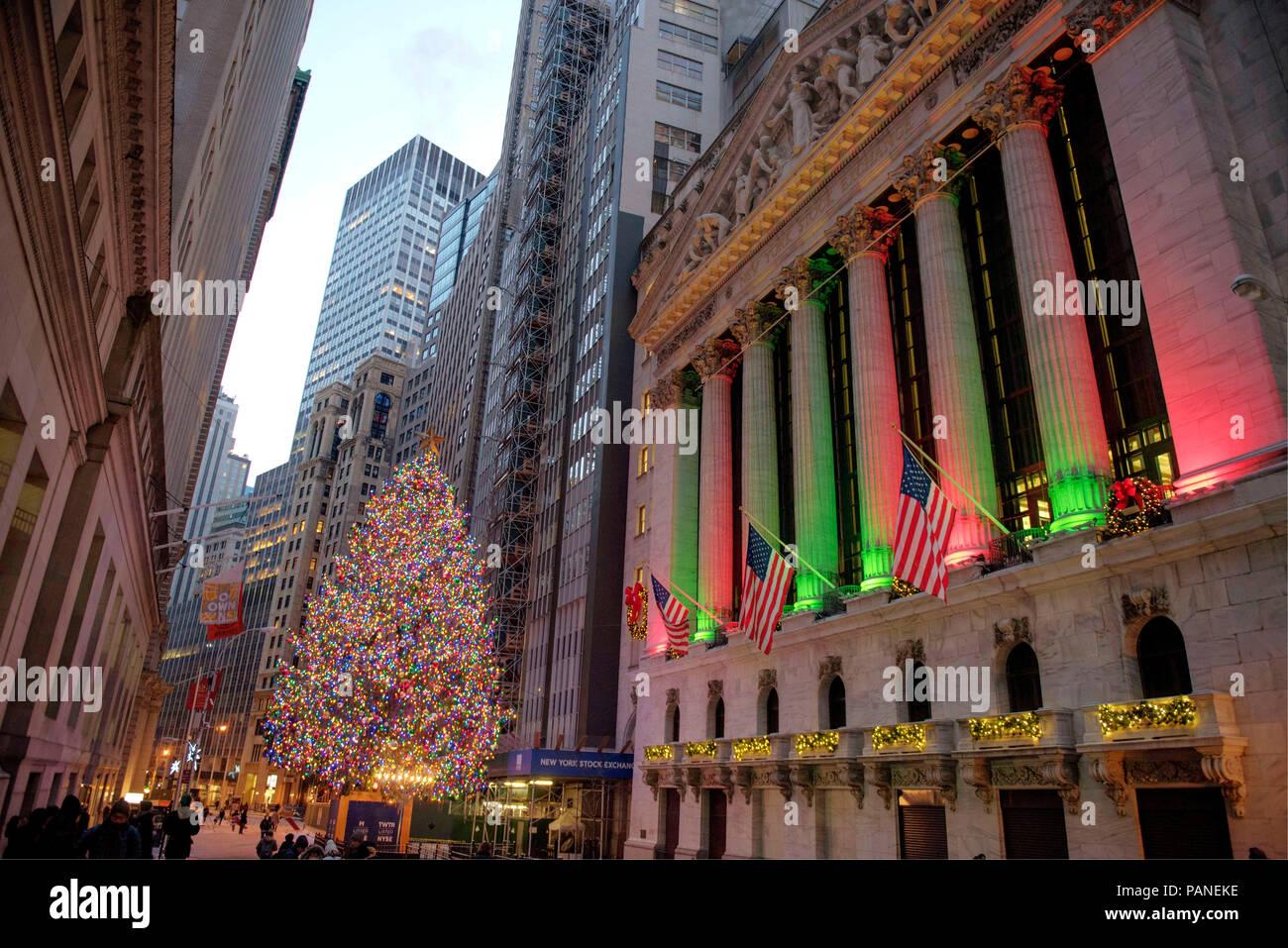 The Stock Exchange Building in Wall Street at Christmas time, Manhattan, New York City, USA, December 30, 2017    Photo © Fabio Mazzarella/Sintesi/Ala Stock Photo