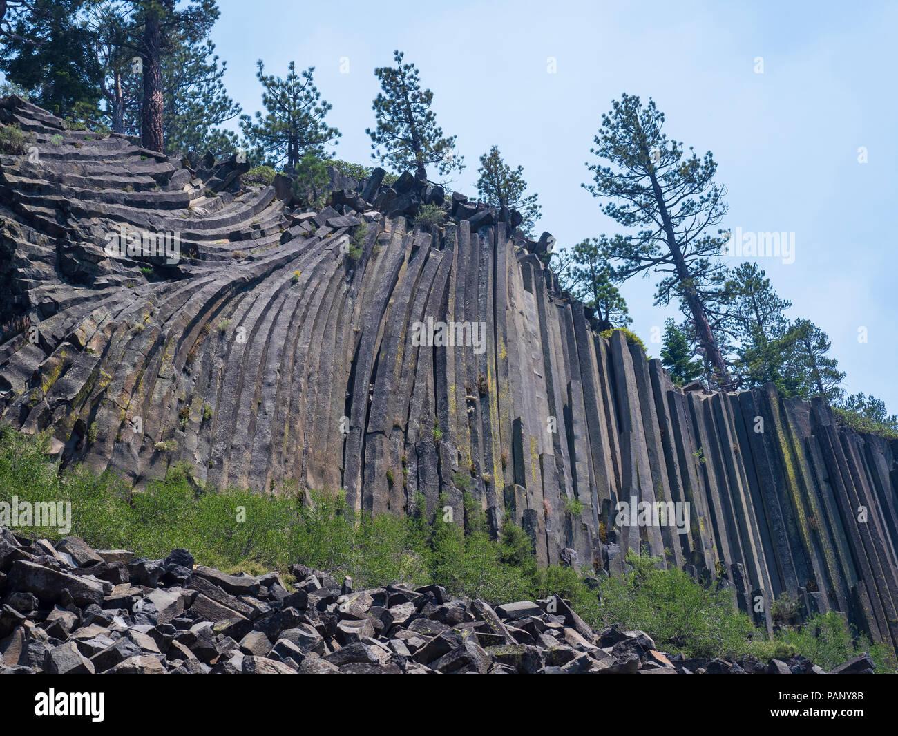 Basalt columns, Devil's Postpile National Monument near Mammoth Lakes, California. - Stock Image