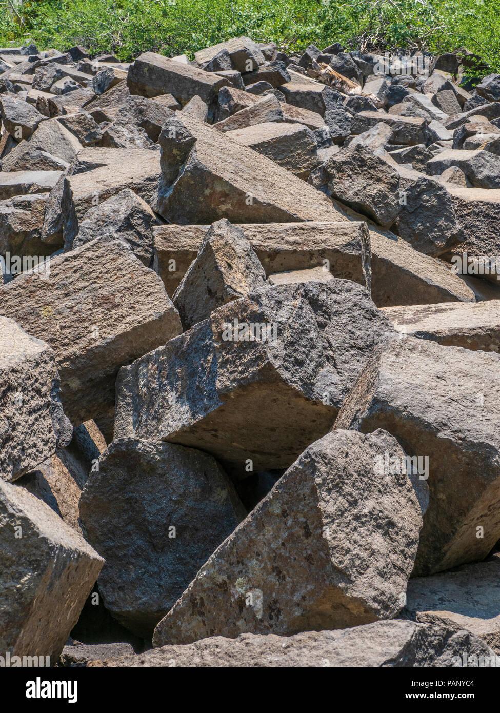 Broken columns, Devil's Postpile National Monument near Mammoth Lakes, California. - Stock Image