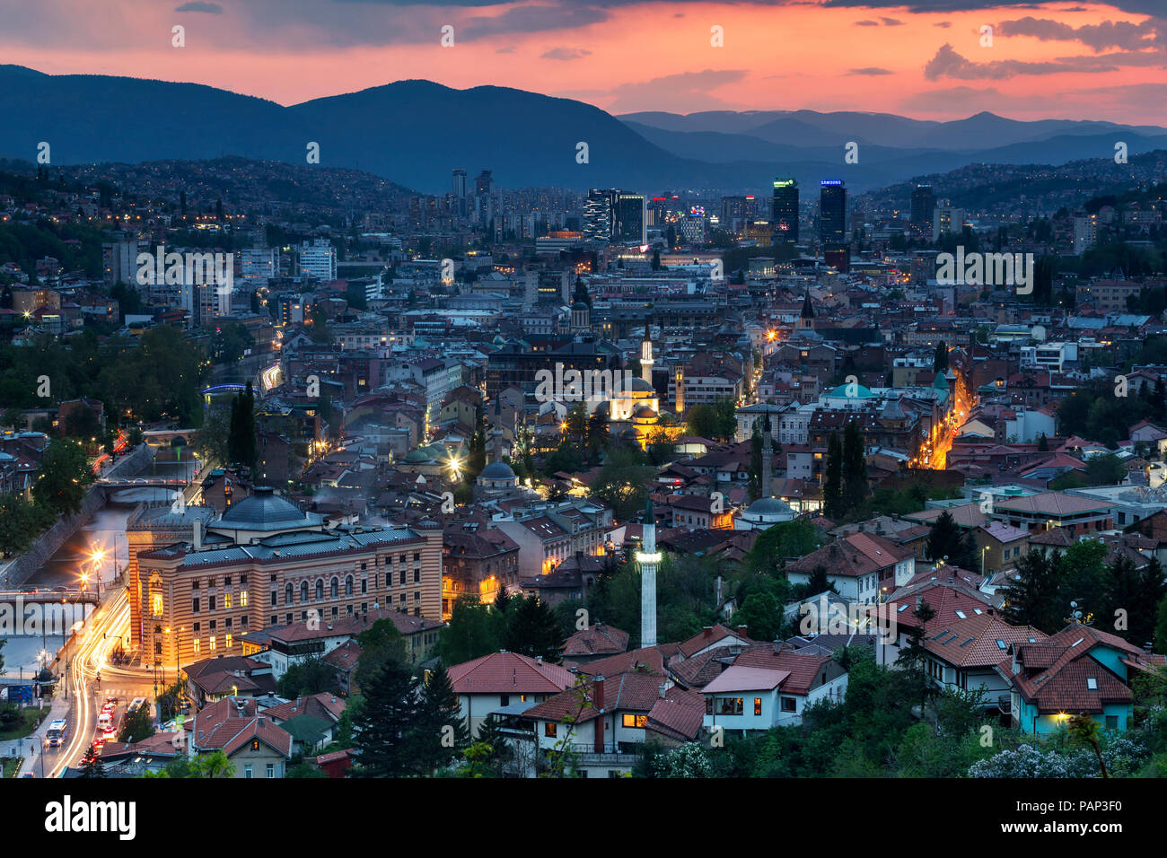 Bosnia-Herzegovina, Sarajevo, Zuta tabija in the evening - Stock Image