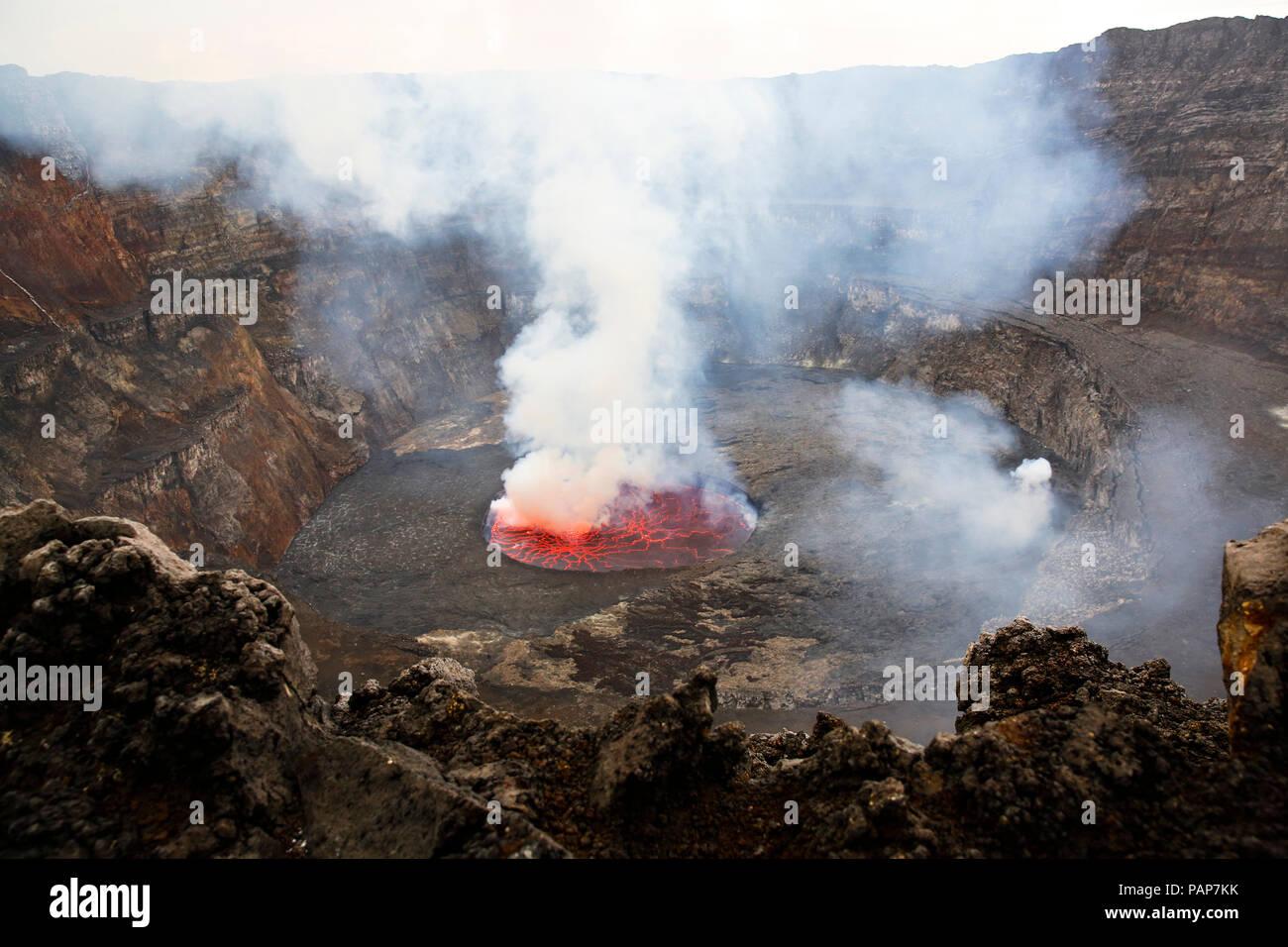 Africa, Democratic Republic of Congo, Virunga National Park, Nyiragongo volcano - Stock Image