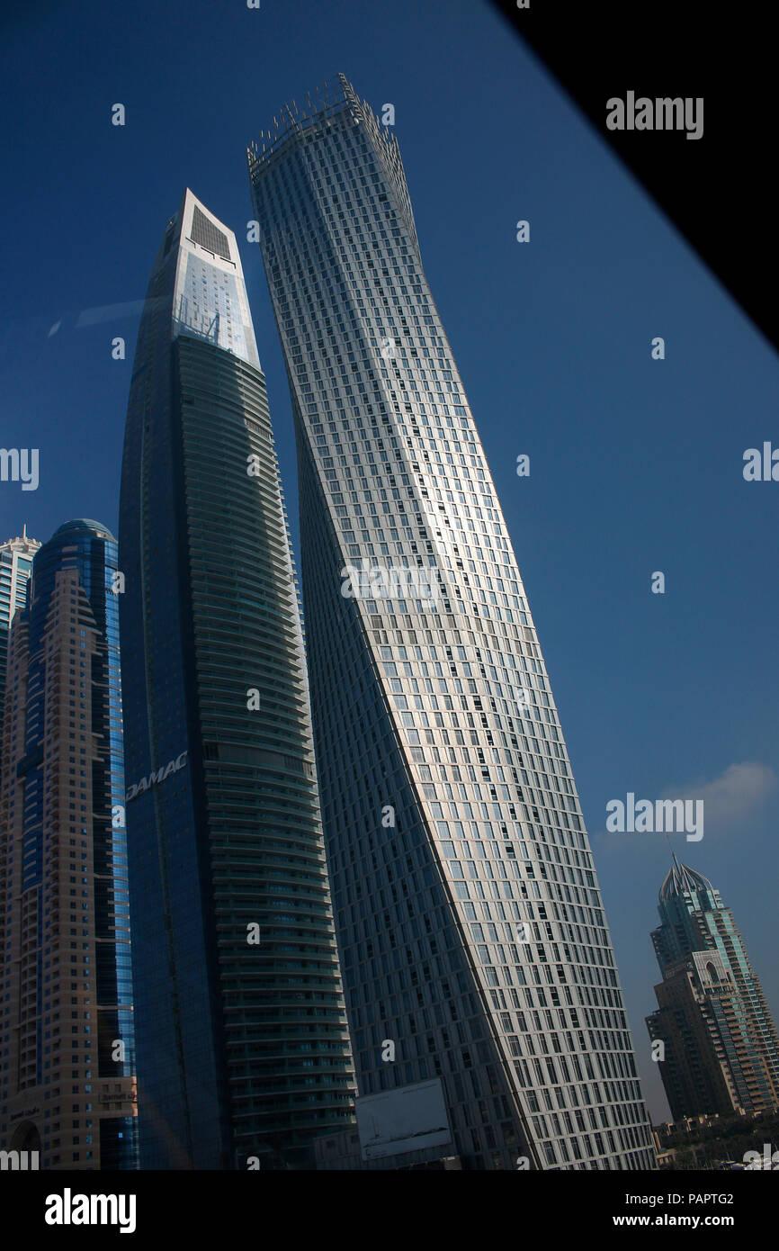 Impressionen: Blick auf die Skyline von 'Marina City', Cayan Tower, Hochhaeuser, Dubai (nur fuer redaktionelle Verwendung. Keine Werbung. Referenzdate - Stock Image