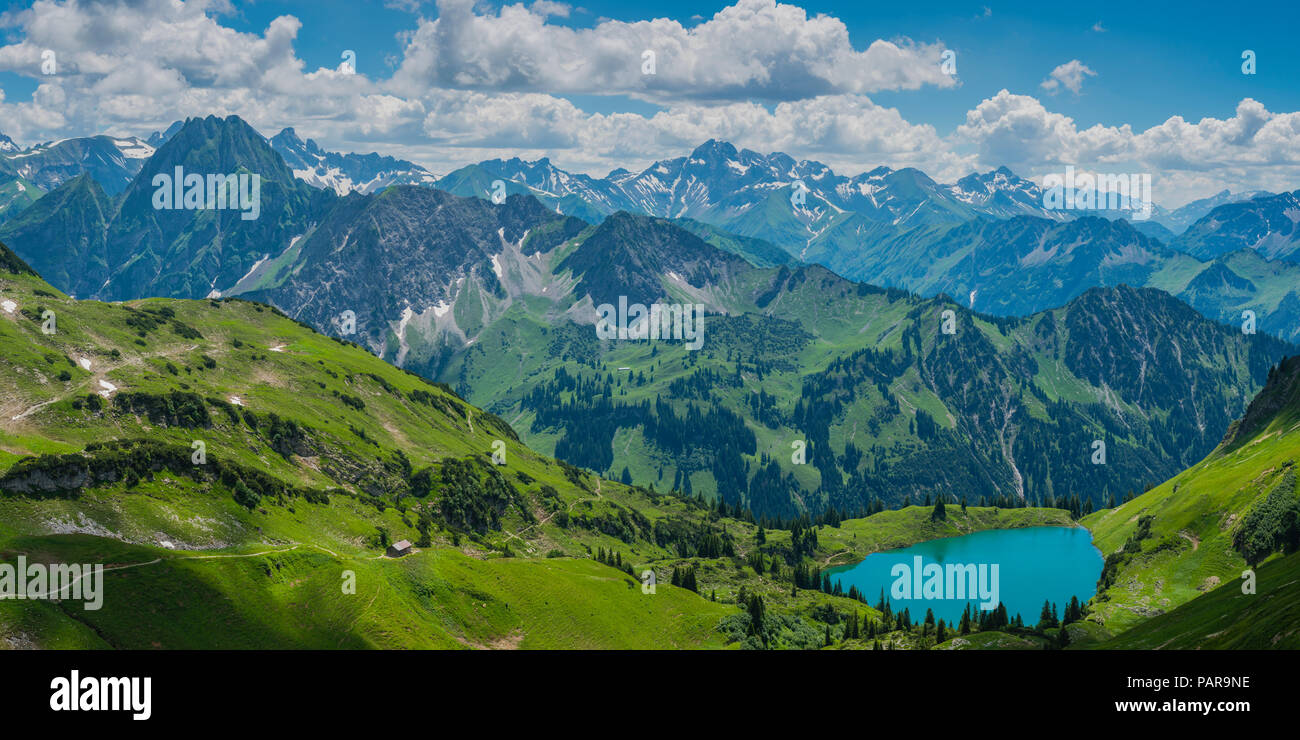 Mountain panorama with lake Seealpsee, left behind the Höfats 2259m, Allgäu Alps, Allgäu, Bavaria, Germany - Stock Image