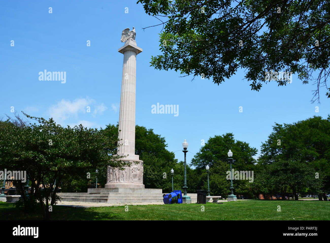 Illinois Centennial Monument dedicated at the end of WWI in 1918 to celebrate the first 100-years of statehood. Illinois gained statehood Dec 3, 1818. Stock Photo