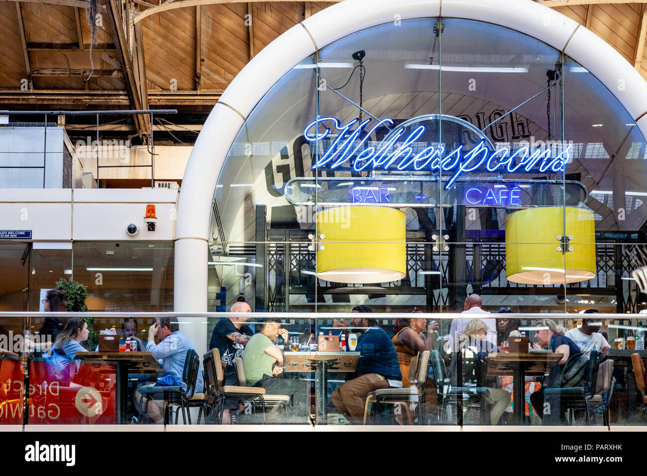 Wetherspoons Bar Stock Photos & Wetherspoons Bar Stock Images - Alamy