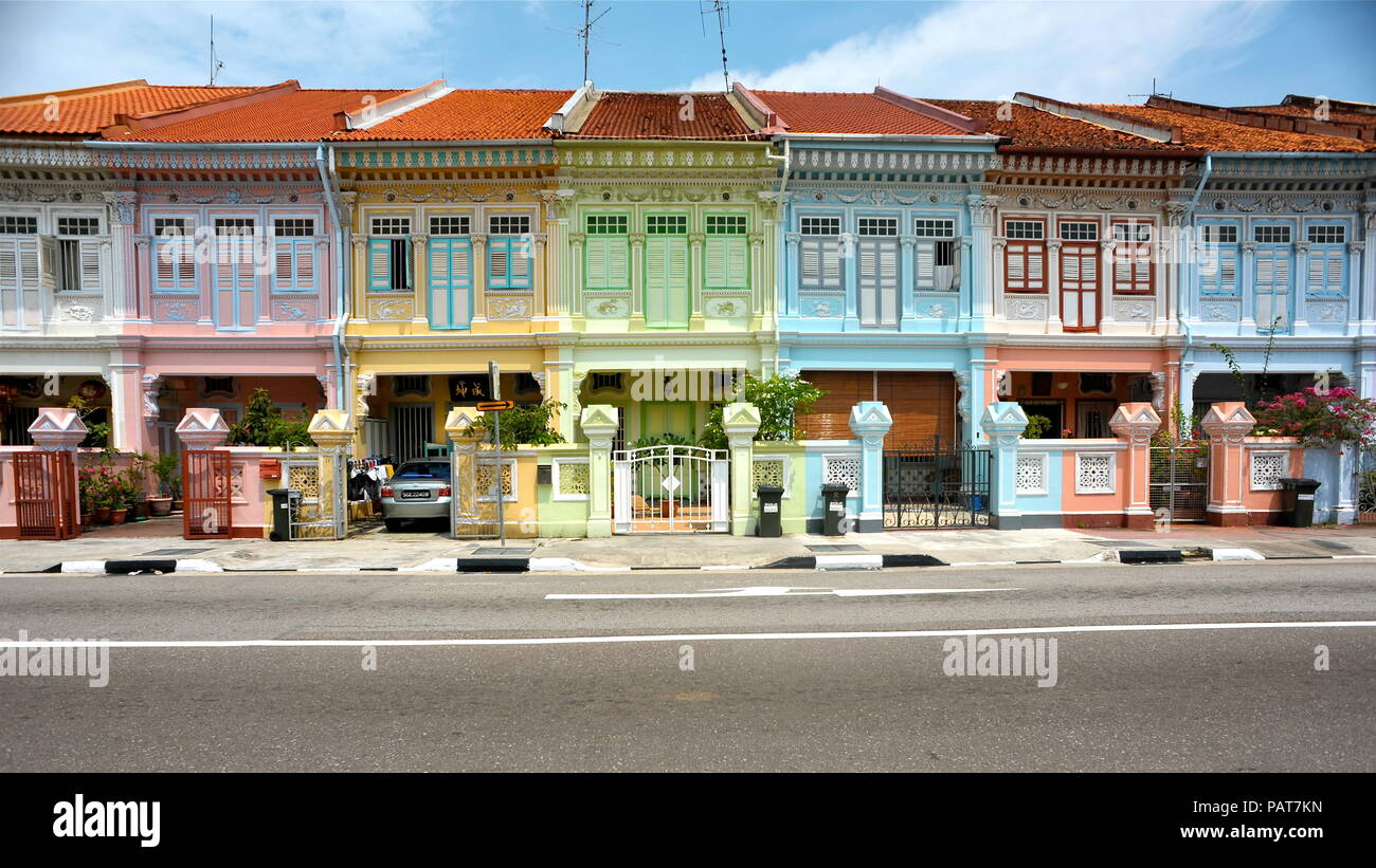 Traditional colourful shophouses in Singapore - Stock Image