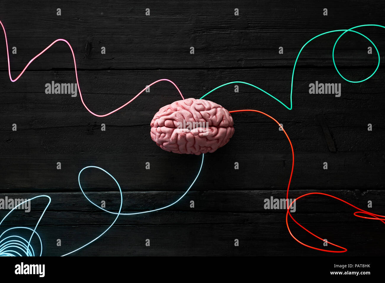 Wired brain, symbol for deep learning - Stock Image