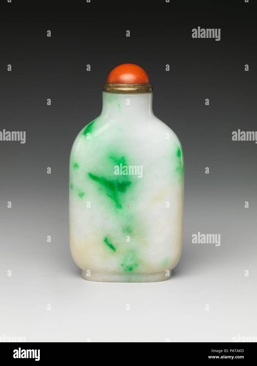 Snuff Bottle  Culture: China  Dimensions: H  2 1/2 in  (6 4