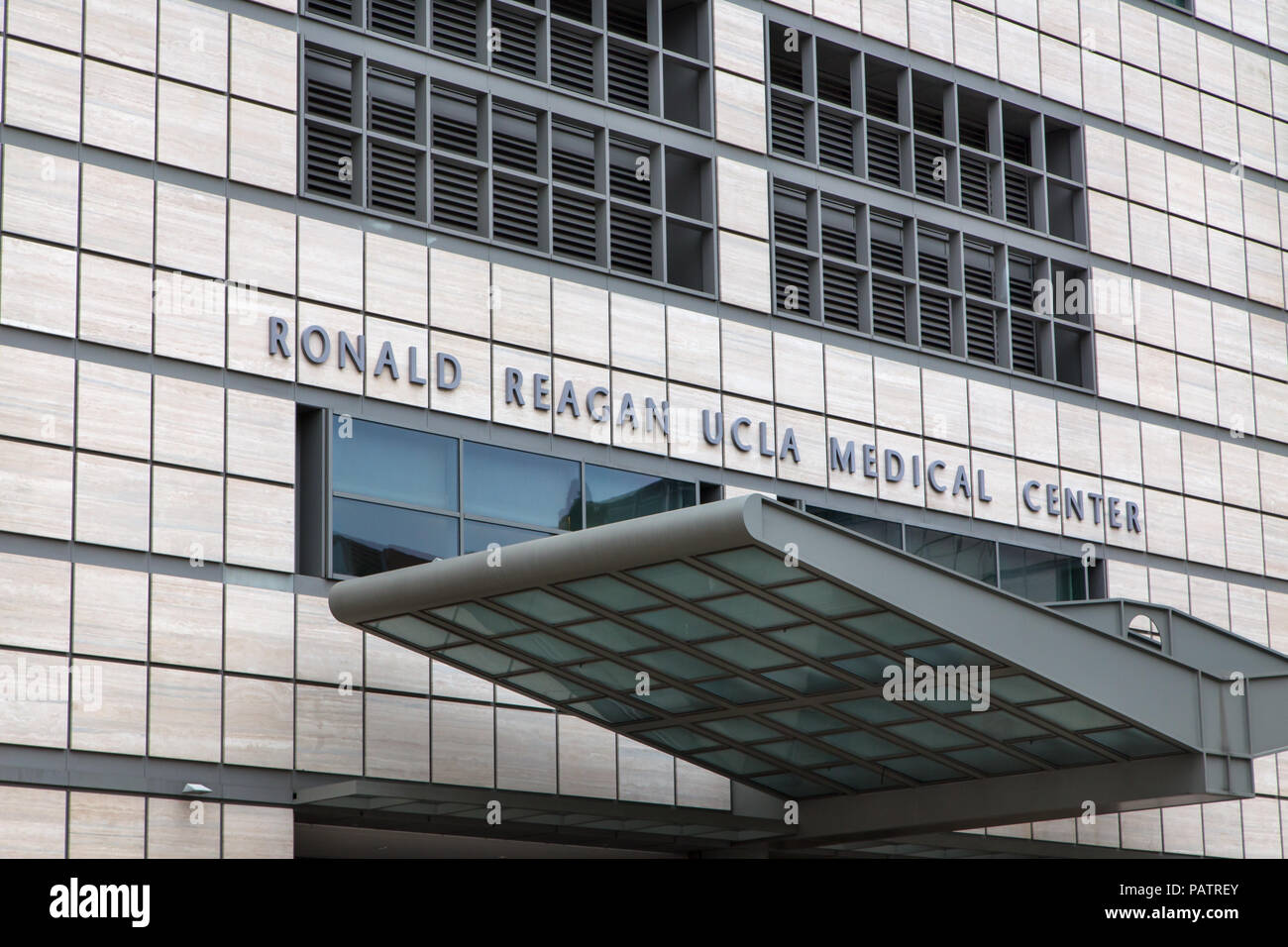 LOS ANGELES, CA/USA - MAY 25, 2015: Ronald Reagan UCLA Medical Center. T Stock Photo
