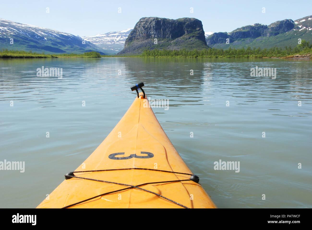 Nammasj - Paddling in Rapaätno delta. Jokkmokk, Sweden Stock Photo