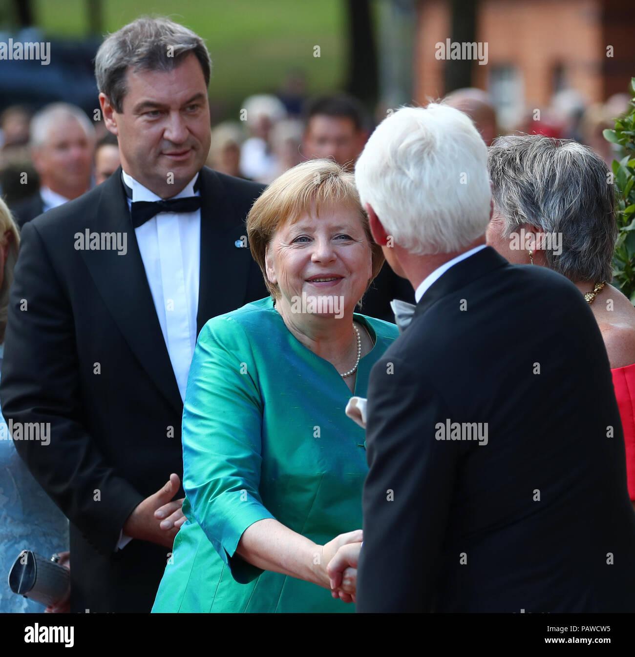 Maurits Hendriks Netherlands Prime Minister Mark Rutte L: Angela Merk Stock Photos & Angela Merk Stock Images