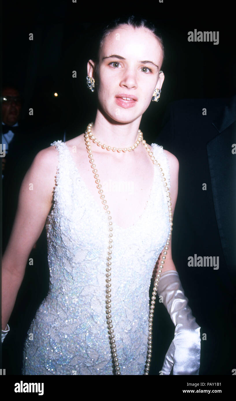 Los Angeles Ca March 30 Actress Singer Juliette Lewis Attends The 64th Annual Academy Awards On March 30 1992 At The Dorothy Chandler Pavilion In Los