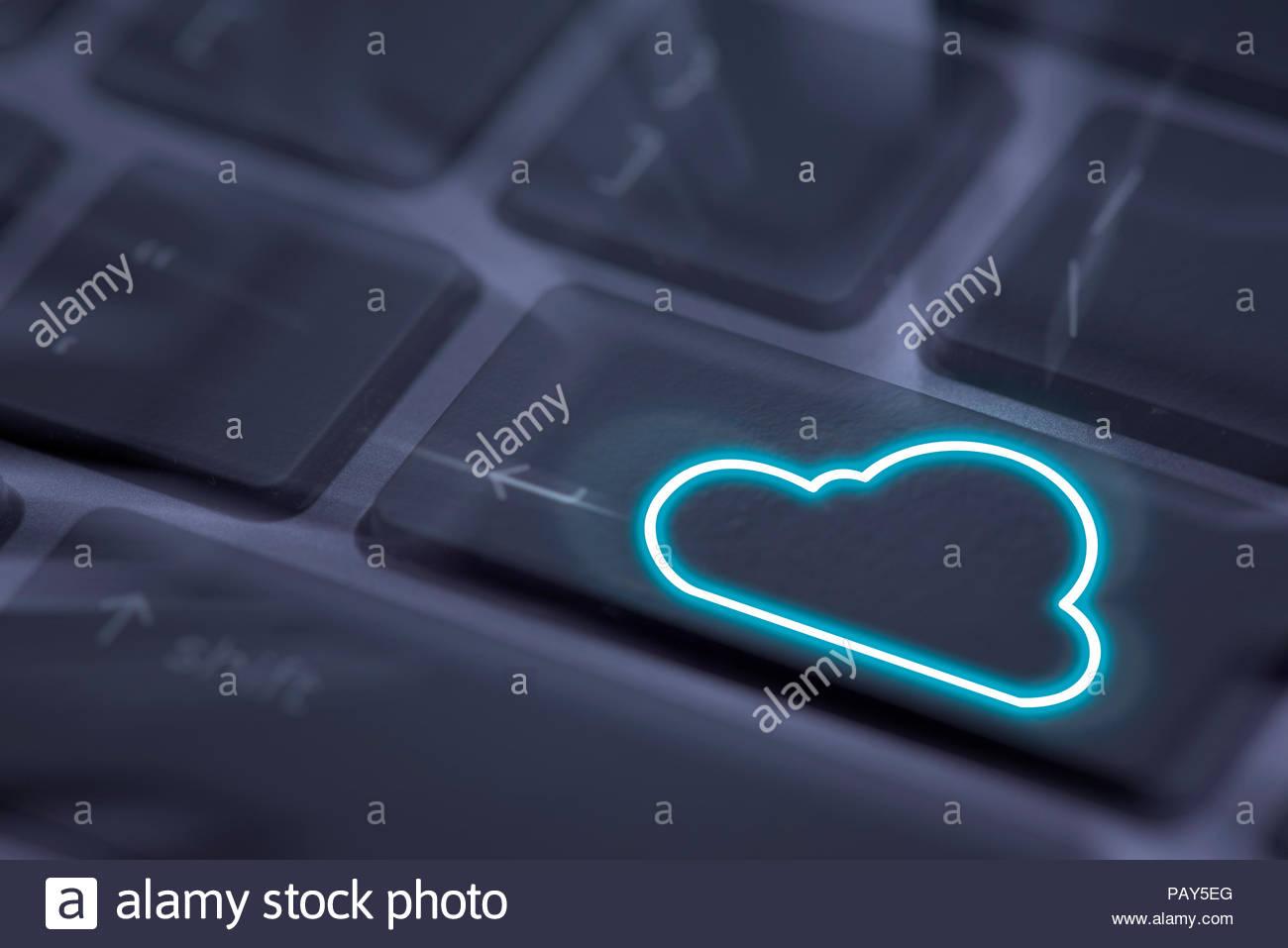 Cloud computing concept, clound computing icon on keyboard - Stock Image