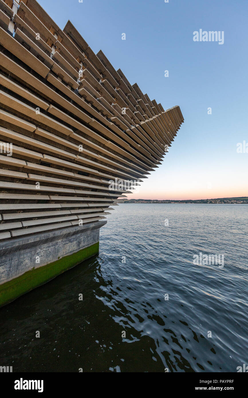 The V&A Dundee Design Museum in Scotland Stock Photo