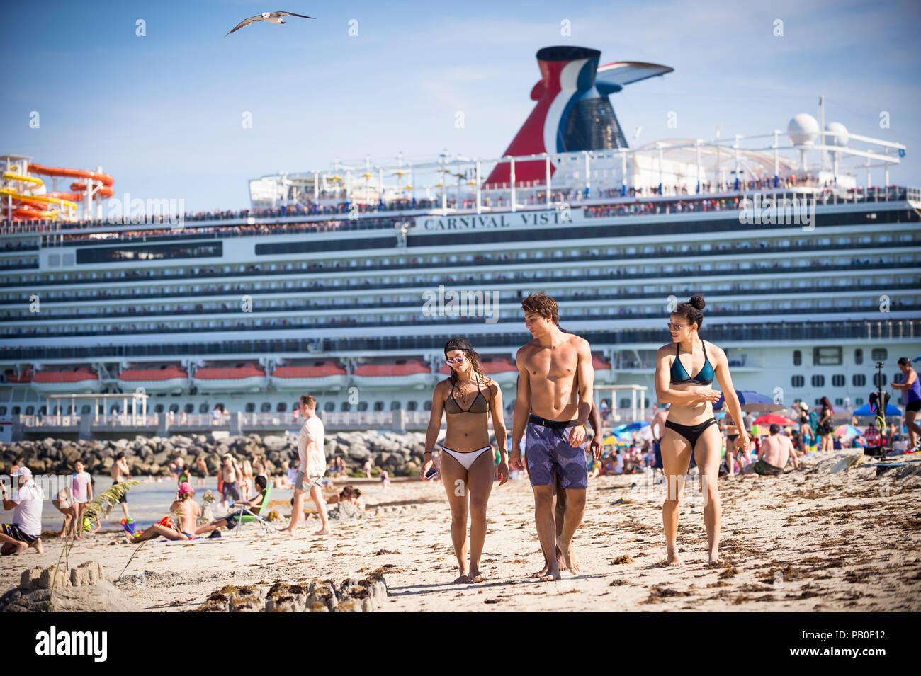 Can Teen bikini on cruise ship
