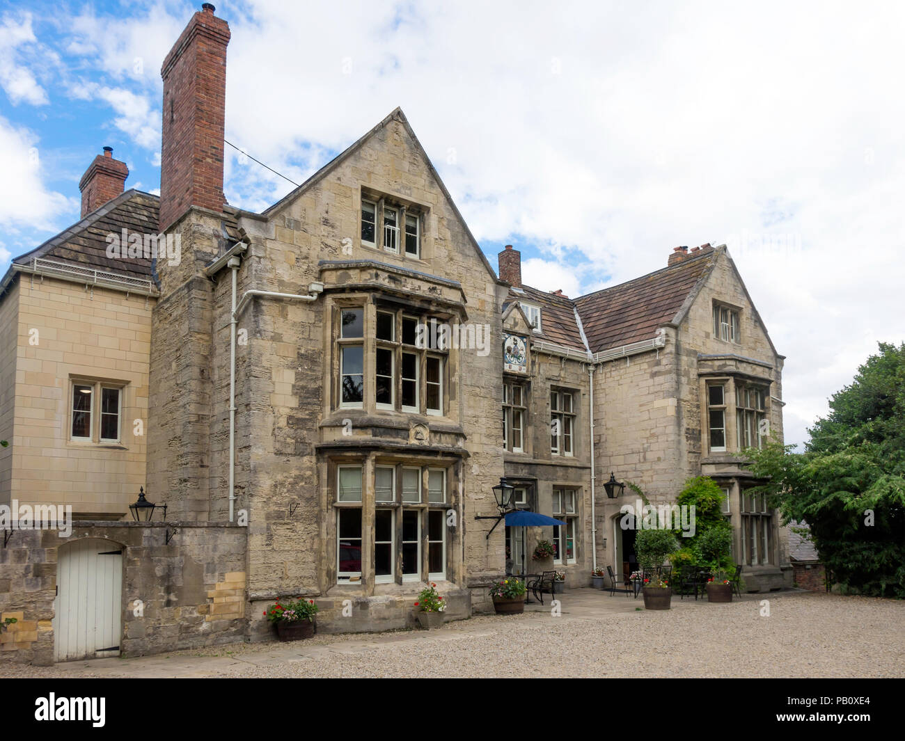 The Deanery Hotel and Restaurant, a Grade II red star listed building dating back to 1625 and located beside Ripon Cathedral North Yorkshire Stock Photo