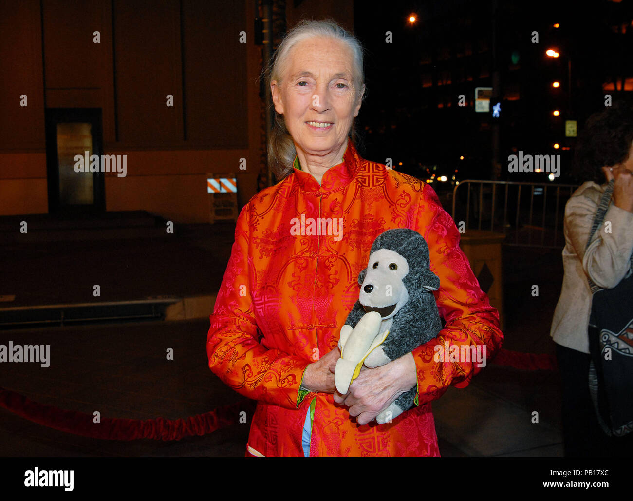 Jane Goodall Arriving At The Jules Verne Adventure Film Festival Expositions At The Shrine Auditorium In Los Angeles 1 2 Smile Eye Contact Orange Dress Monkey Horizontale12 Goodalljane12 Red Carpet Event Vertical