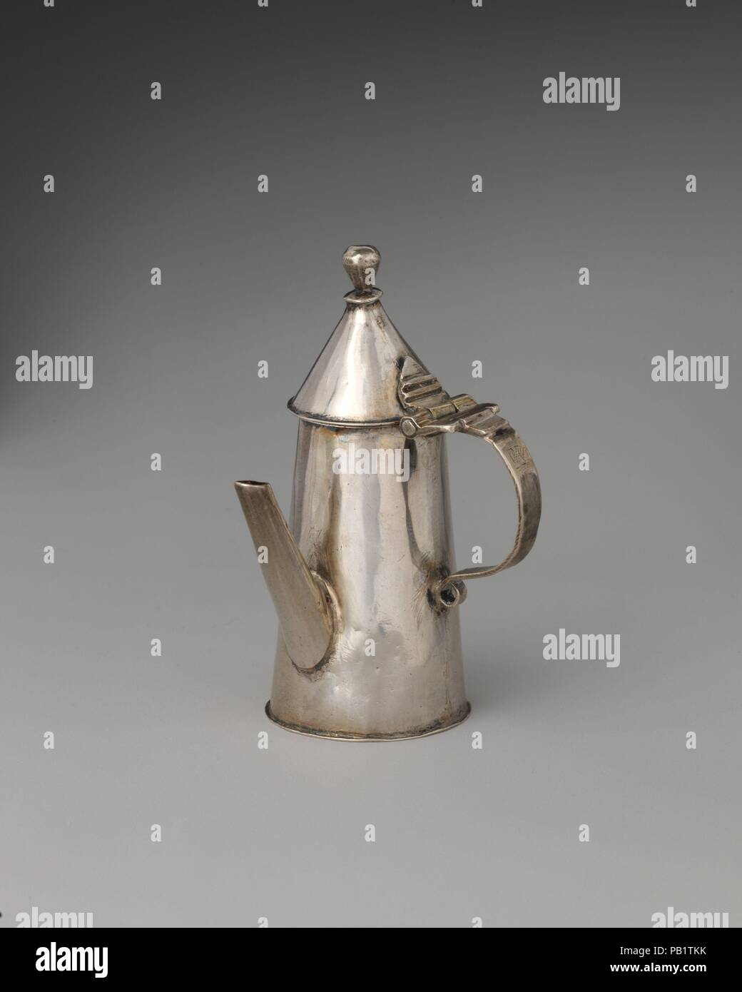 miniature coffeepot with hinged cover culture british london