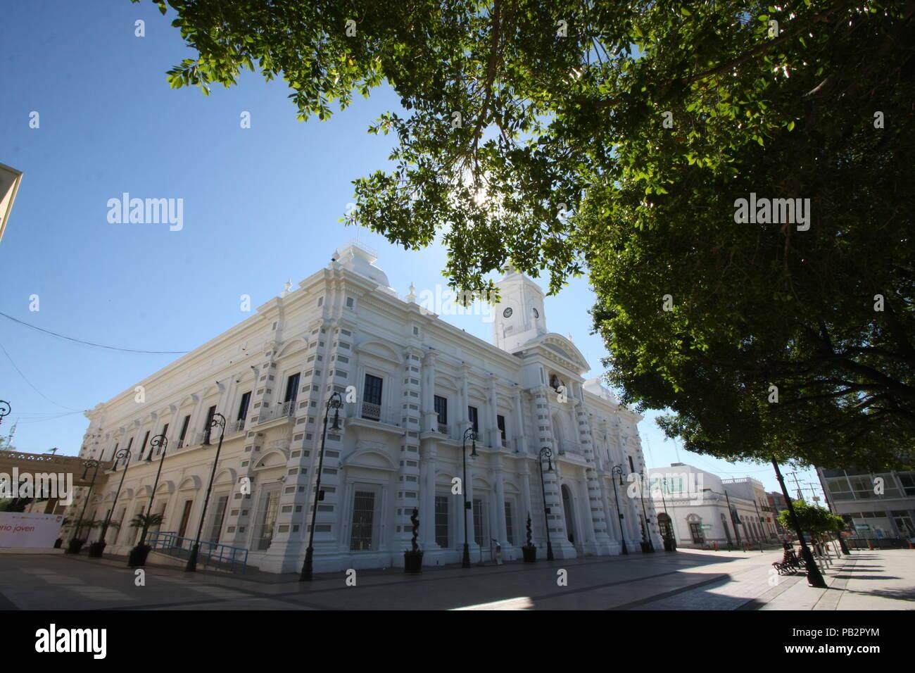 El palacio municipal de Hermosillo y palacio de gobierno del estado de Sonora Stock Photo