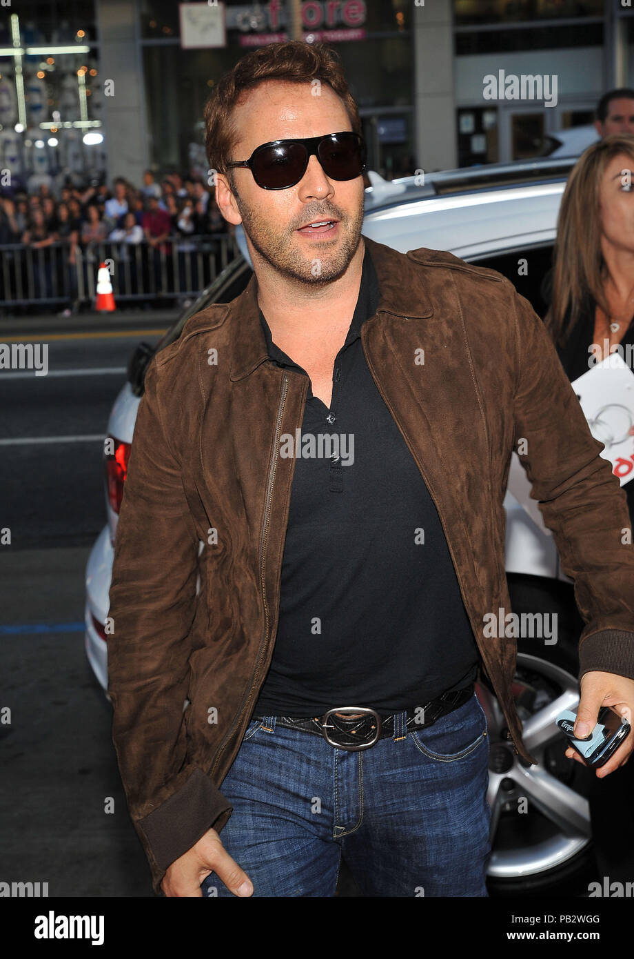 Jeremy Piven - Hangover Premiere at the Chinese Theatre In Los Angeles.PivenJeremy_63 Red Carpet Event, Vertical, USA, Film Industry, Celebrities,  Photography, Bestof, Arts Culture and Entertainment, Topix Celebrities fashion /  Vertical, Best of, Event in Hollywood Life - California,  Red Carpet and backstage, USA, Film Industry, Celebrities,  movie celebrities, TV celebrities, Music celebrities, Photography, Bestof, Arts Culture and Entertainment,  Topix, vertical, one person,, from the years , 2006 to 2009, inquiry tsuni@Gamma-USA.com - Three Quarters - Stock Image