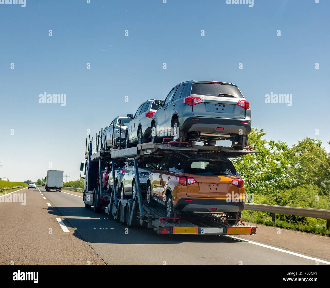 Subaru Dealers In Ct >> Car Carrier Trailer Truck Stock Photos & Car Carrier Trailer Truck Stock Images - Alamy