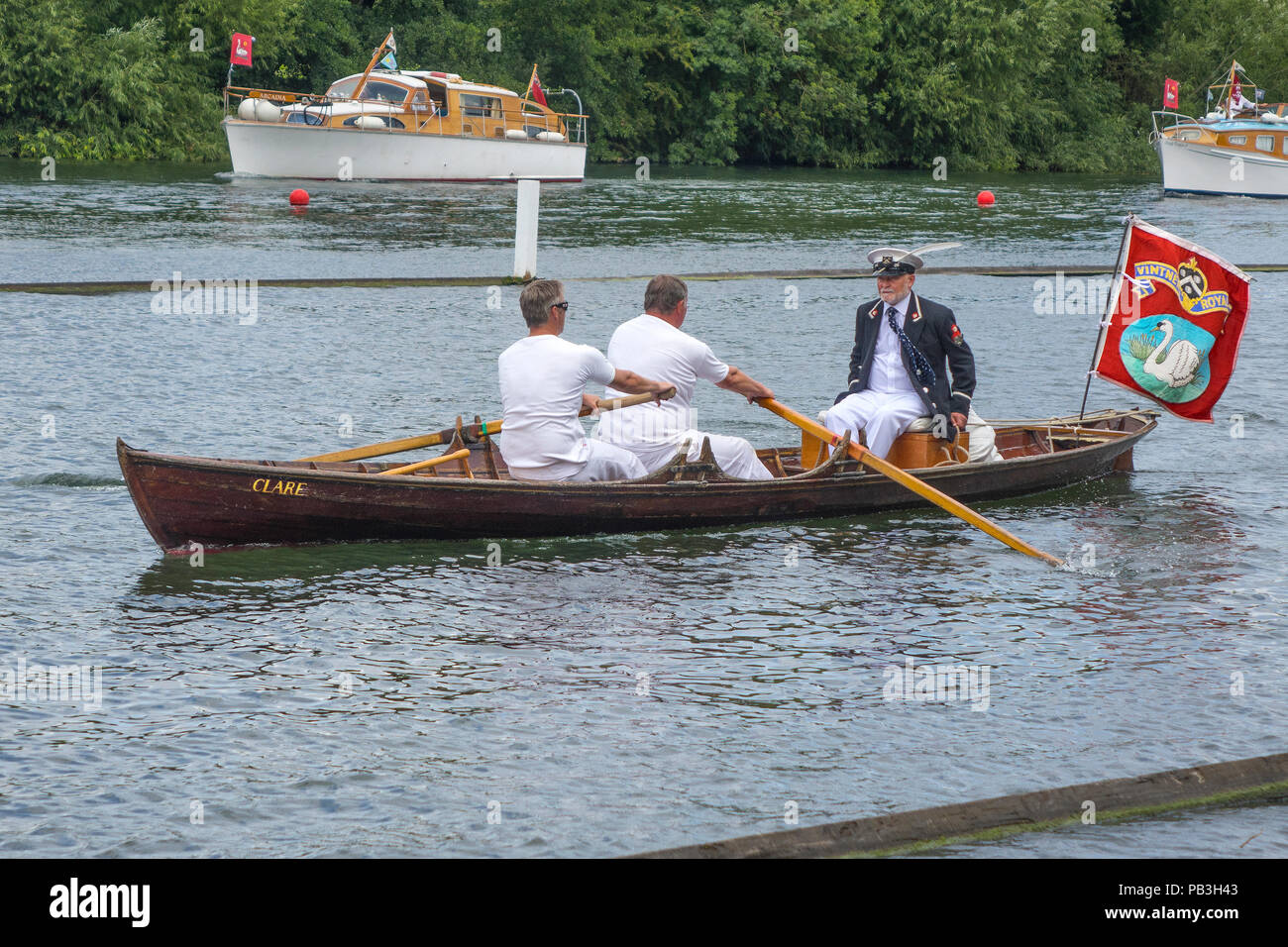 England, Oxfordshire, Henley, Swan Upping on River Thames, skiff of the Vintners Livery company - Stock Image
