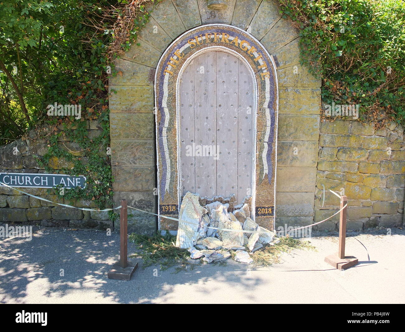 UK heatwave 2018: a well dressing in Rowsley, Derbyshire which has cracked and collapsed owing to excessive sun and heat - Stock Image