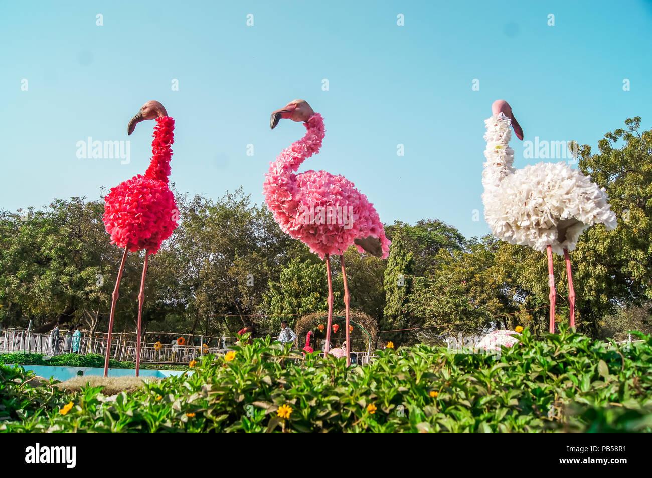 Beautiful flower arrangements and decoration in the garden beautiful flower arrangements and decoration in the garden beautiful flower arrangements and decoration in the garden izmirmasajfo