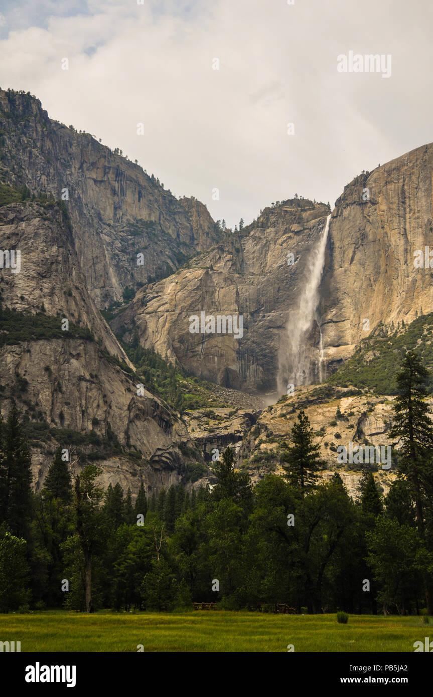Waterfalll cuts through rock at Yosemite National Park. - Stock Image