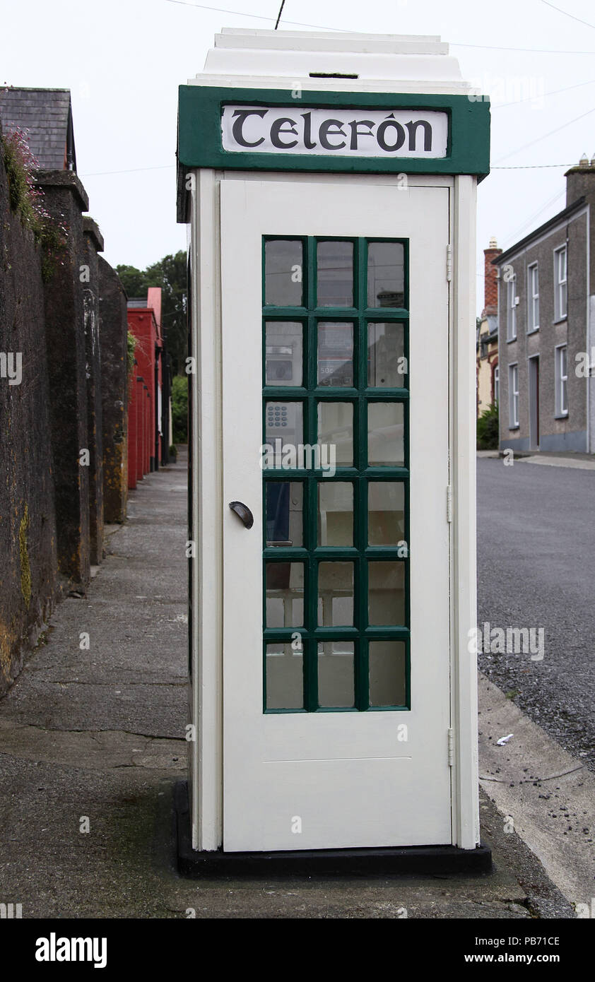 Public telephone box still in use at Castletownshend in County Cork - Stock Image