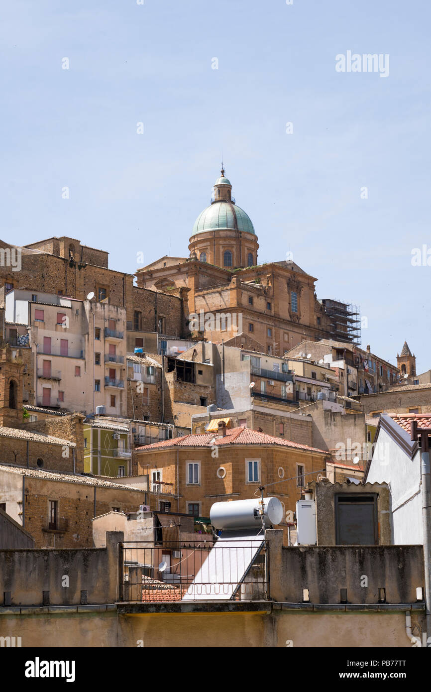 Italy Sicily Piazza Amerina Colle Mira Hill ancient hilltop city 700m sea level 7/8th century BC BCE cityscape panorama Baroque Cathedral dome - Stock Image