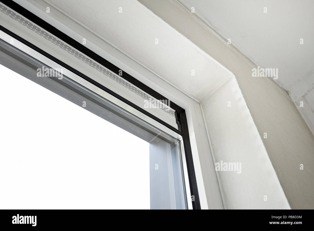 Sliding Glass Door And His Ventilation System Before Painting The
