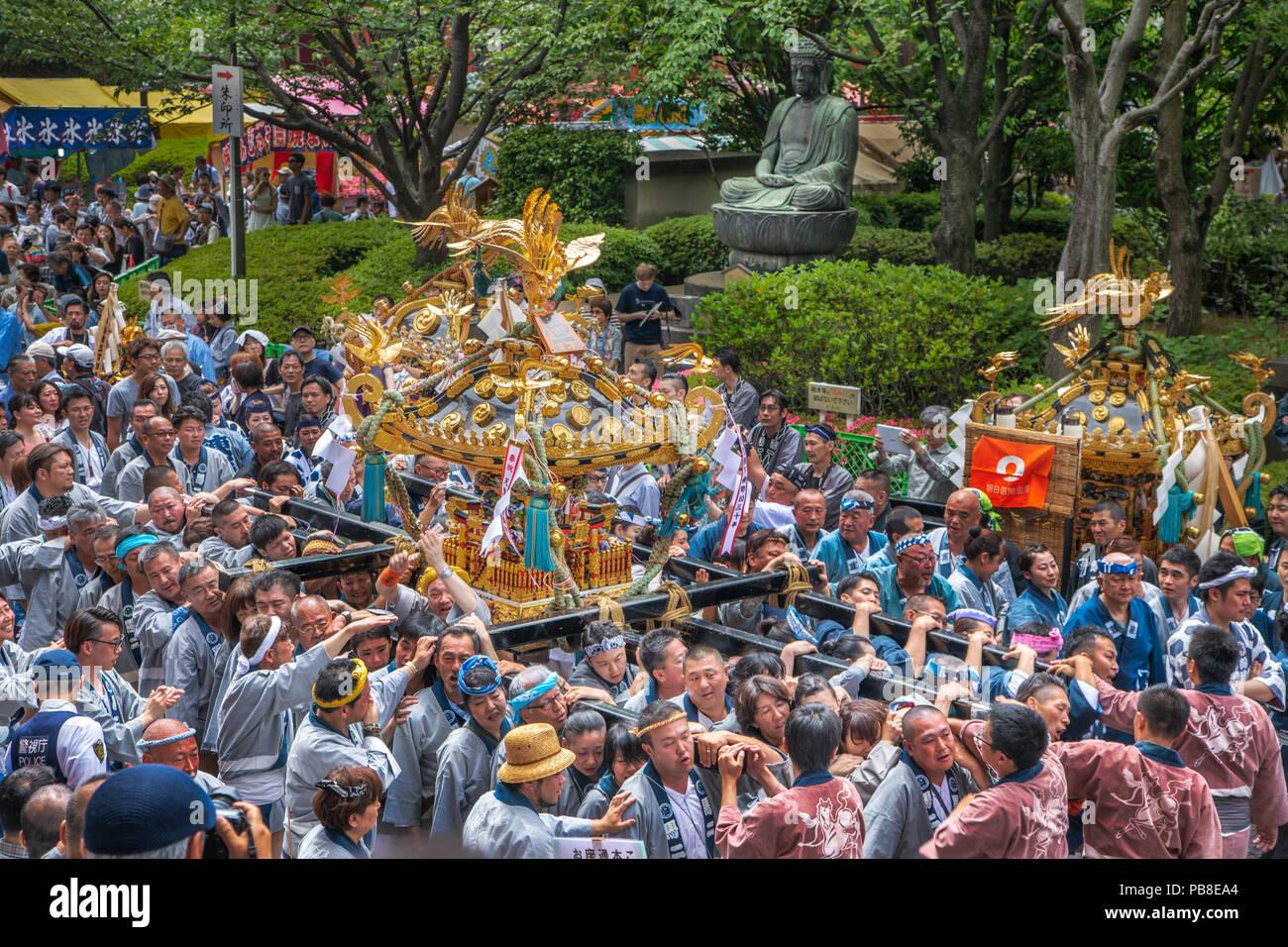 Japan, Tokyo City, Asakusa District Festival, mikoshi shrine - Stock Image
