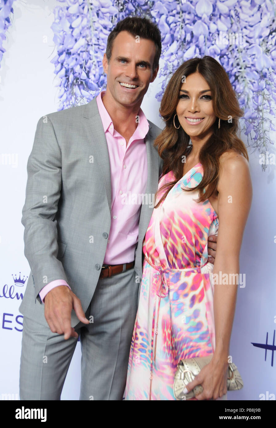 Cameron Mathison Wife Vanessa Mathison High Resolution Stock Photography And Images Alamy She was born on 19th april in puerto rico. https www alamy com beverly hills california usa 26th july 2018 actor cameron mathison and wife vanessa arevalo attend hallmark channel and hallmark movies mysteries summer 2018 television critics association press tour event on july 26 2018 at private residence in beverly hills california photo by barry kingalamy live news image213475623 html