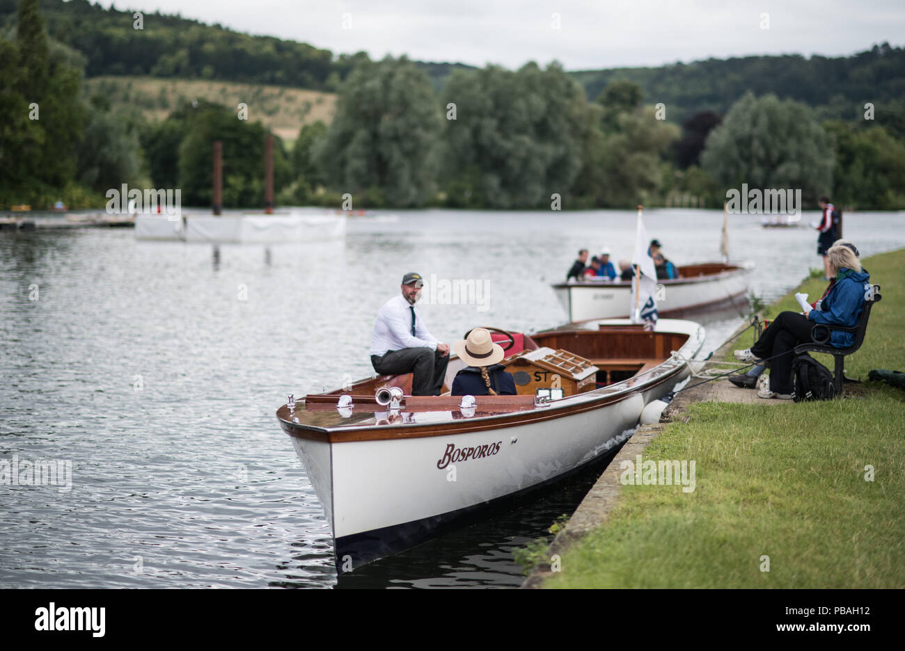Henley on Thames, United Kingdom. 2016 Henley Masters' Regatta. Henley Reach. England. on Saturday  09/07/2016   © Peter SPURRIER,  Umpire Launch. 'Bo - Stock Image