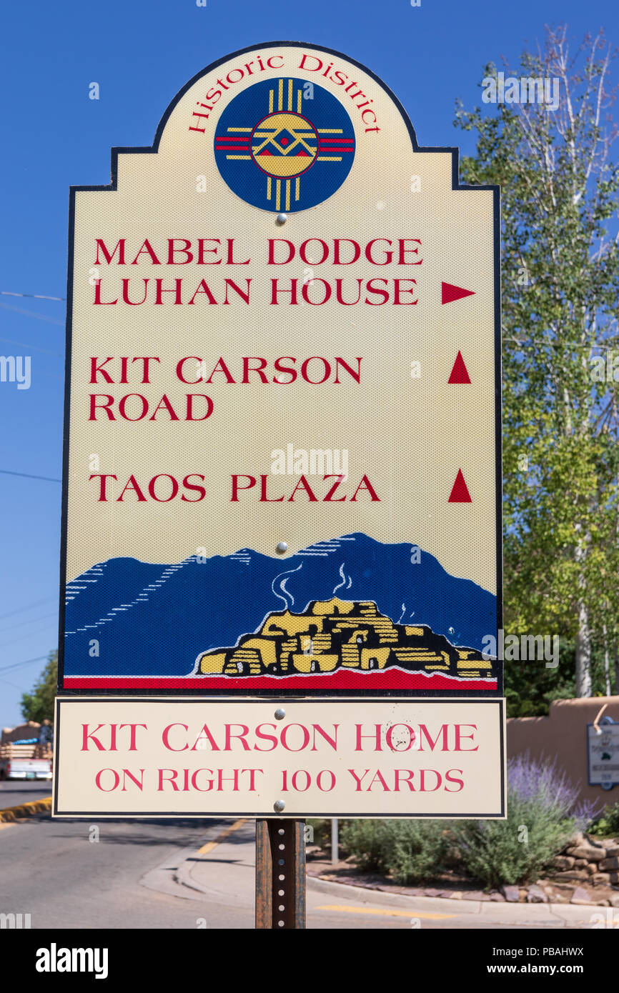 TAOS, NM, USA-8 JULY 18:  A street sign in old Taos, directing one to several historic locations. - Stock Image